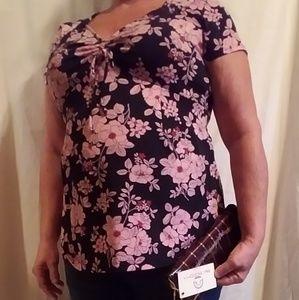 Maternity sz med blouse